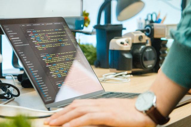 プログラミングスクールでの学習が無駄にならない理由とは?